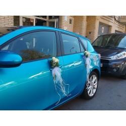 Rosas blancas coche novios