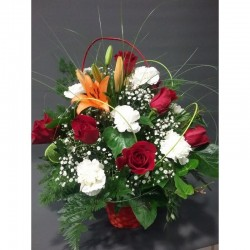 Cistella roses i clavells