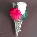 Prendidos o flor de solapa 17